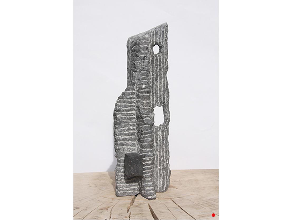 Titel: Kracht van de kwetsbaarheid 2 Materiaal: Belgisch hardsteen